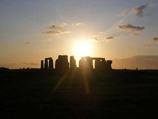 Stonehenge-soleil