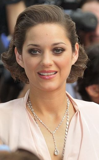 Marion_Cotillard_(July_2009)_1